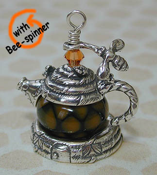 Bee Hive Teapot with Bee Spinner